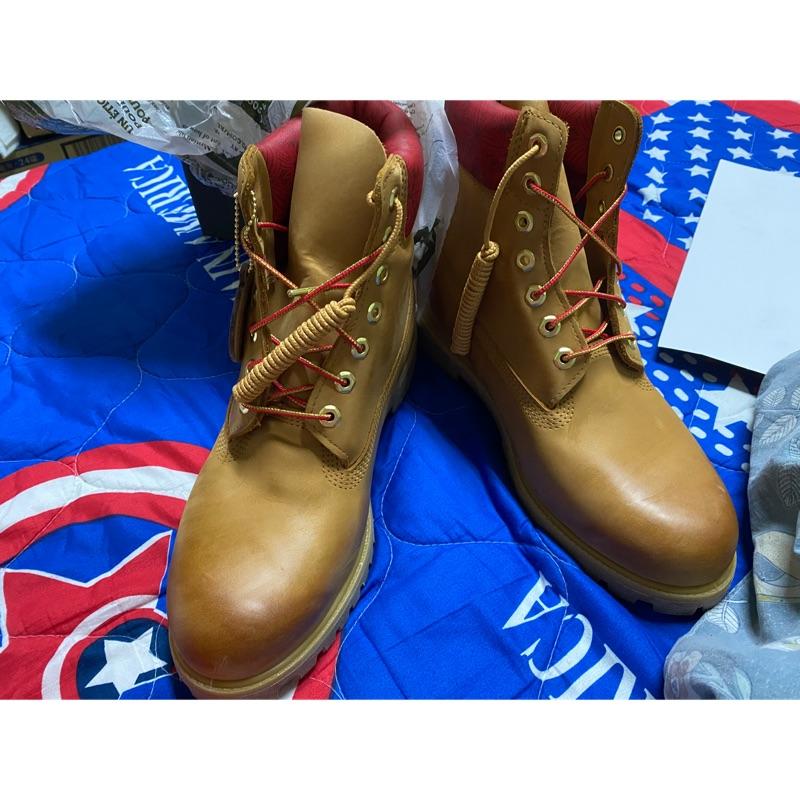 (全新)Timberland男款小麥色磨砂革圖騰紅領經典6吋靴 US10