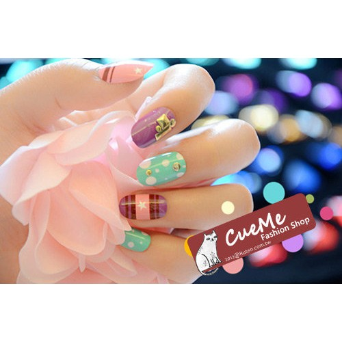 ChuMe Shop 鉚釘小圓頭撞色混搭朝氣十足日系美甲貼片短款24 片