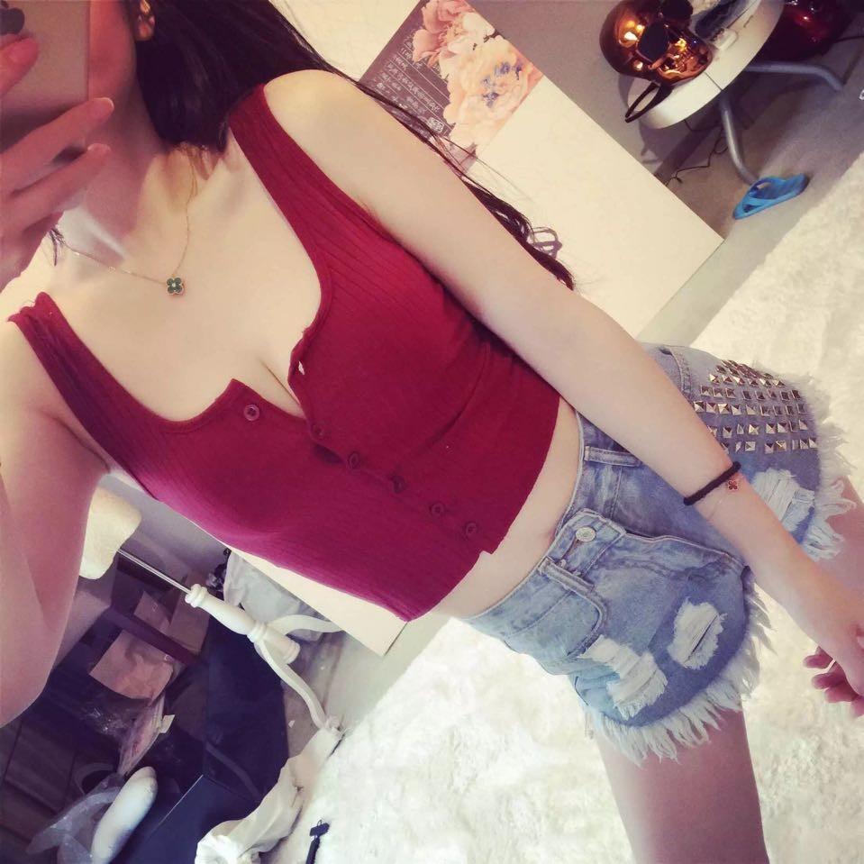 7720 針織吊帶背心女短款修身顯瘦爆乳背心多紐扣純色打底衫上衣
