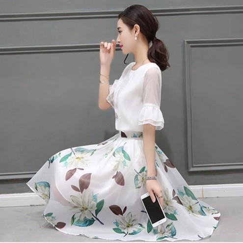 印花歐根紗喇叭袖上衣雪紡洋裝半身裙套裝約會連身裙 ╭~漢娜小姐╭~ BH5561  M 2