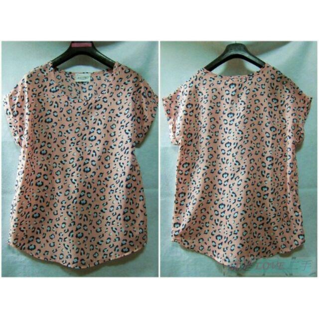 就是愛 韓國 粉色系藍豹紋印花雪紡紗短袖上衣罩衫T 恤針織衫