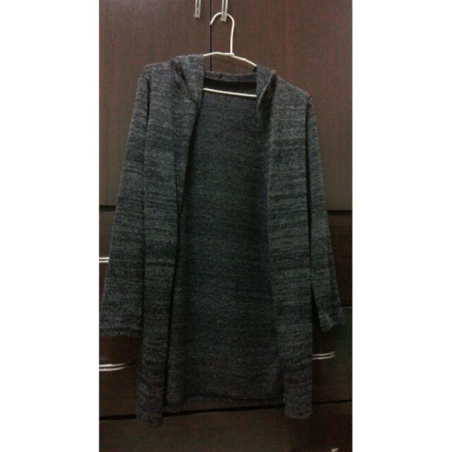 深灰色細針織外套