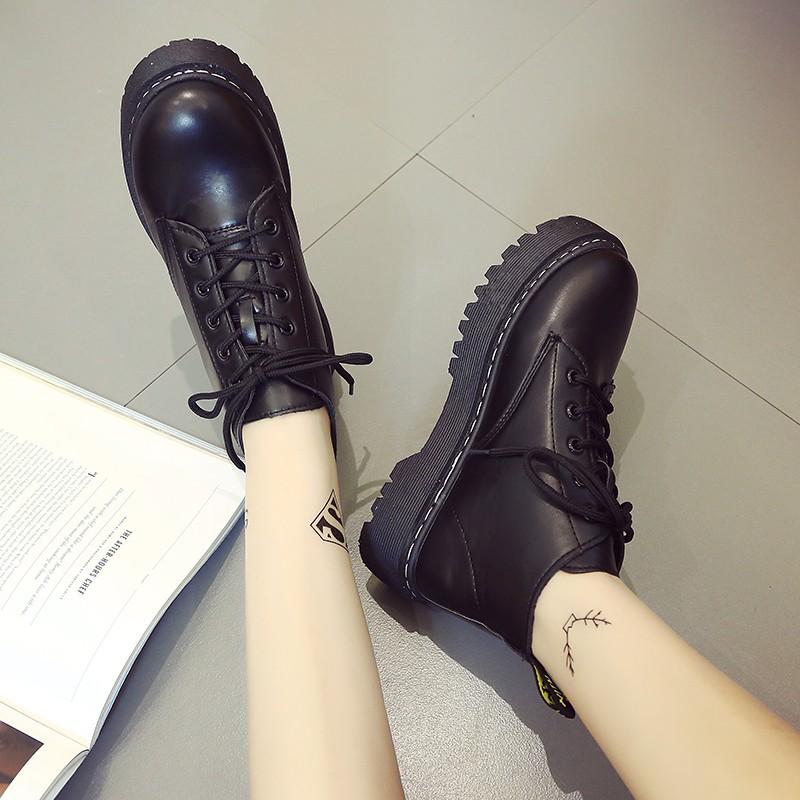 短靴~Korea ~時裳秀春秋 英倫風復古5 孔純色厚底粗跟松糕短靴大頭女鞋馬丁靴單鞋