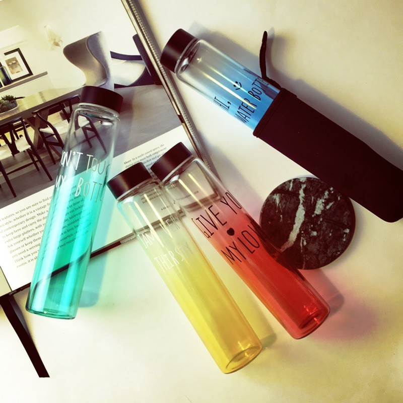英文印字馬卡龍漸層色系細管玻璃瓶送杯套玻璃水瓶隨手杯隨手瓶四色選
