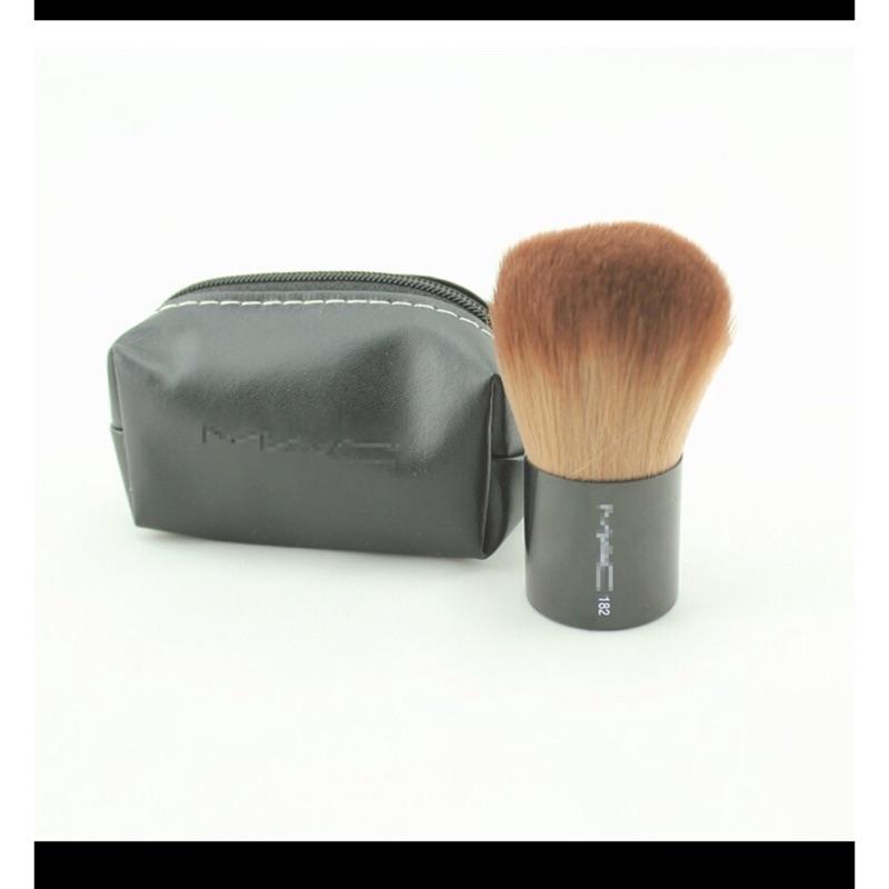 ✨MAC 毛質柔軟粉底刷化妝刷攜帶型附贈小包包