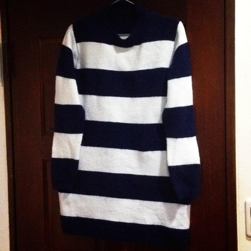 海軍風藍白條紋圓領長版針織毛衣