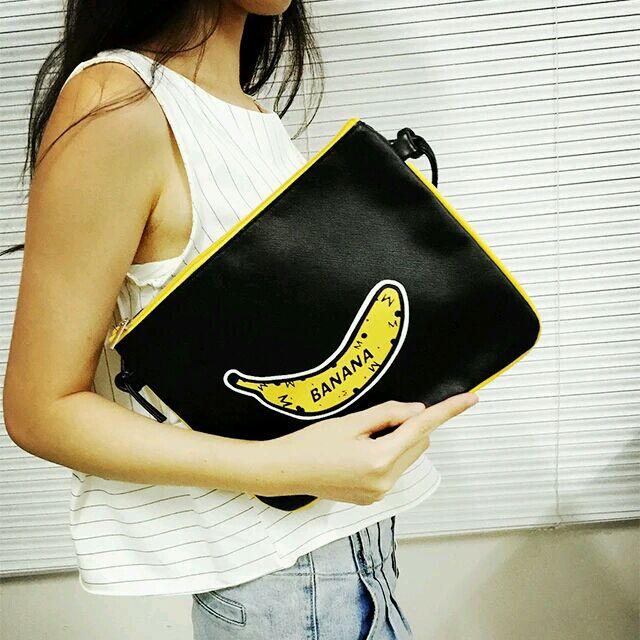 韓國休閒香蕉banana 塗鴉英文字復古斜背包拉鍊包 百搭單肩包手拿包扁包肩背帶斜背帶