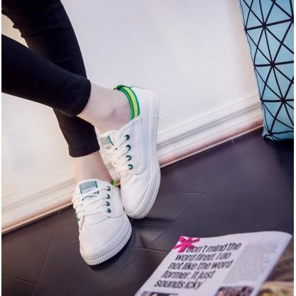 小白鞋女 原宿帆布鞋女學生平底板鞋系帶休閒鞋 低幫女鞋潮