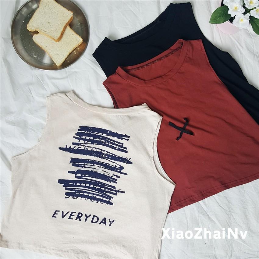 實拍 簡約背後休閒上衣印花字母背心無袖圓領T 恤女生衣著