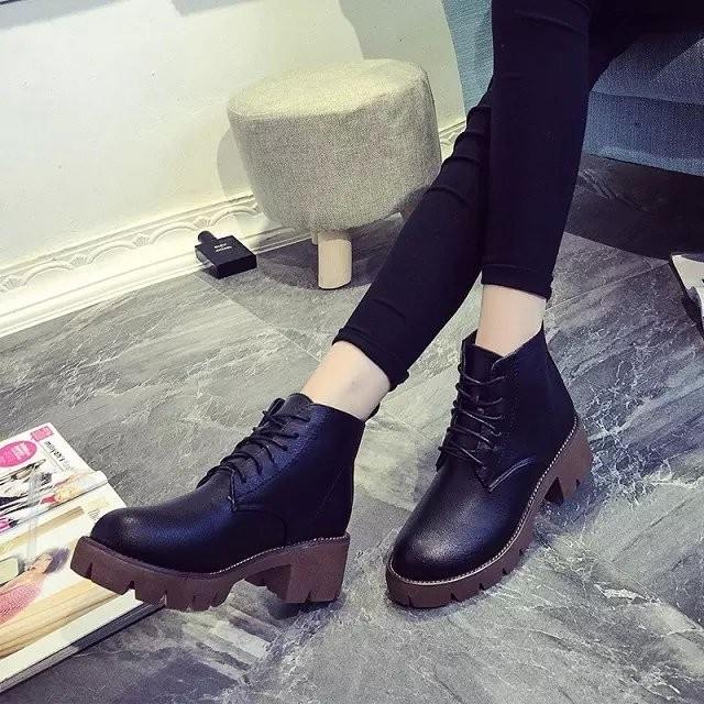 秋 中跟短靴粗跟圓頭馬丁靴短筒英倫復古系帶女靴子潮女鞋
