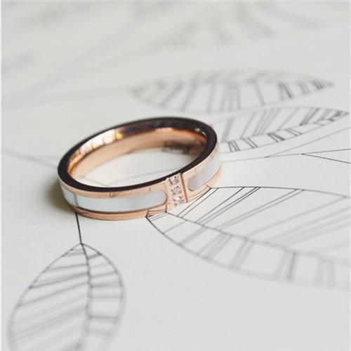 KAKA 韓國玫瑰金鈦鋼貝殼光澤水鑽指環戒指