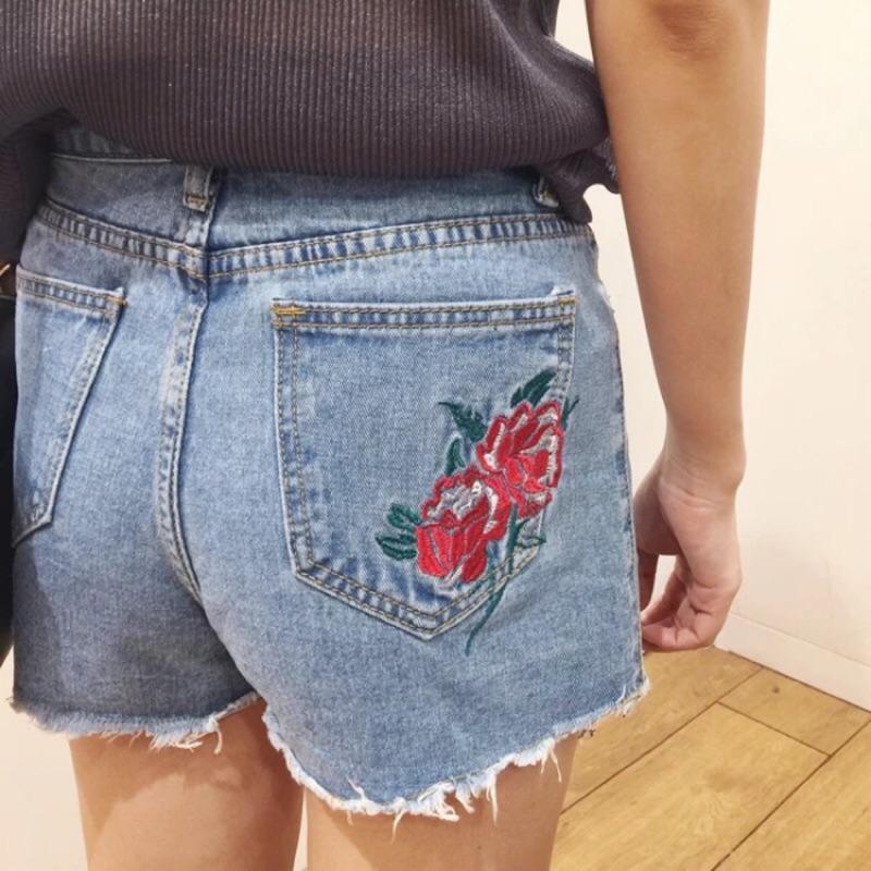 新品 玫瑰花刺繡短褲花朵刺繡毛邊牛仔短褲女夏高腰顯瘦寬鬆熱褲女夏闊腿學生大碼褲子