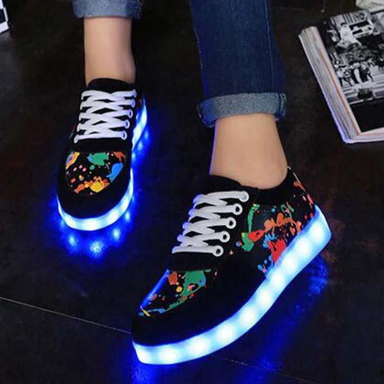 鬼步舞發光鞋板鞋USB 充電男鞋 系帶學生板鞋夜光鞋情侶熒光鞋