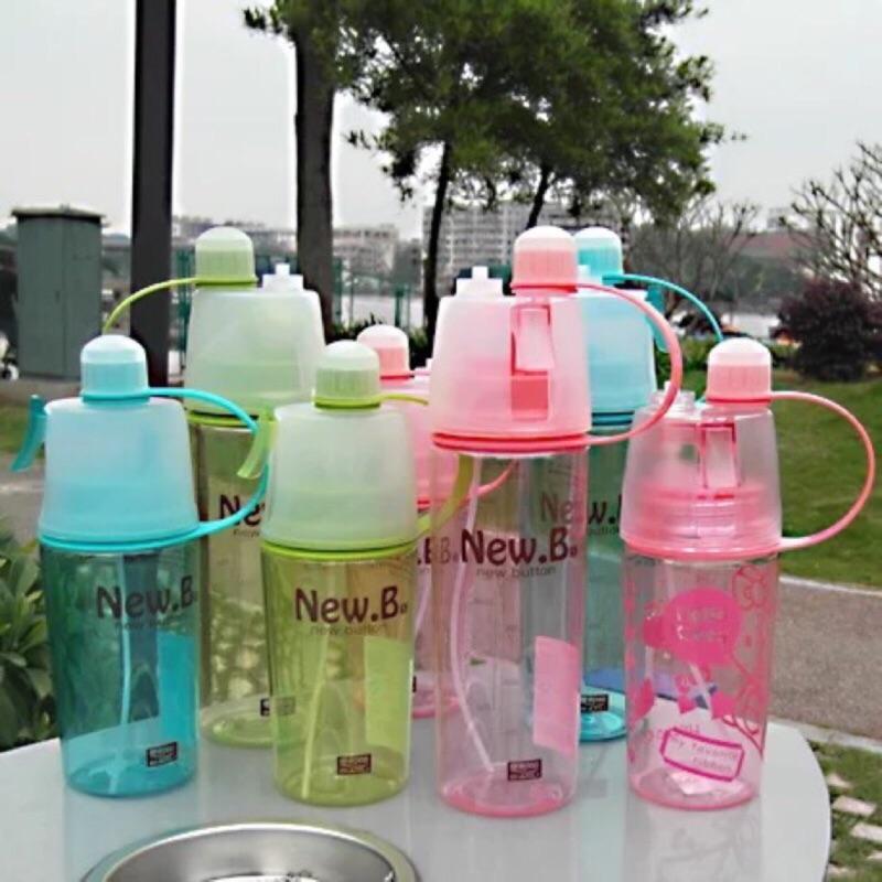 ~禎巧妙~ 戶外塑料水瓶噴霧 水杯子 隨手杯帶蓋便攜太空旅行水壺