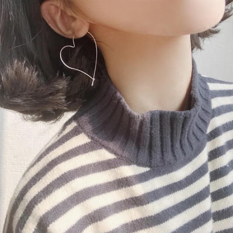 簡約愛心線條感愛心耳環