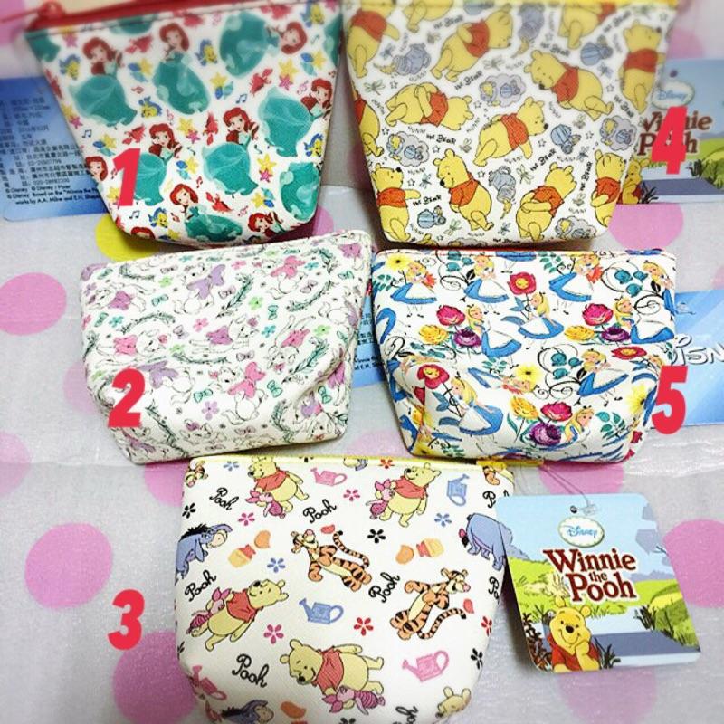 迪士尼Disney 小熊維尼、公主、愛莉絲、小貓圖案小零錢包收納包小化妝包( 5 款)
