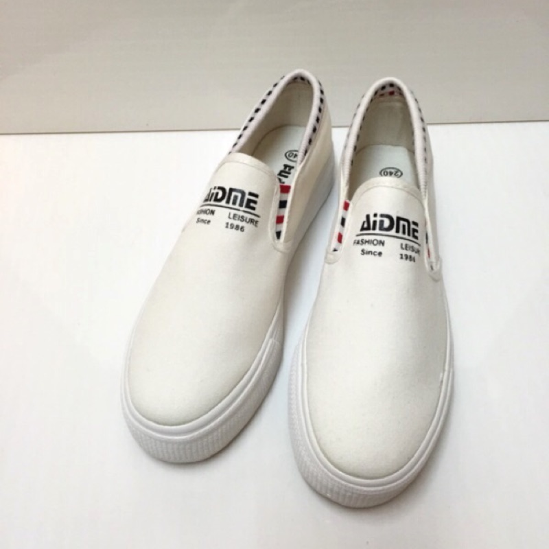 白225 、23 號  款只要150_ 簡約百搭素面實穿休閒懶人包鞋款售價390 , 15