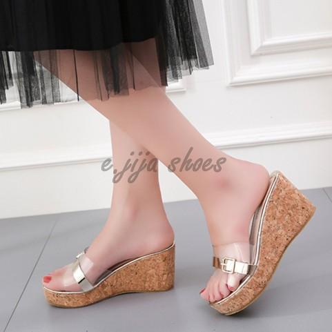 金屬釦環皮帶透明木紋厚底增高楔型坡跟超高跟一字平口拖鞋