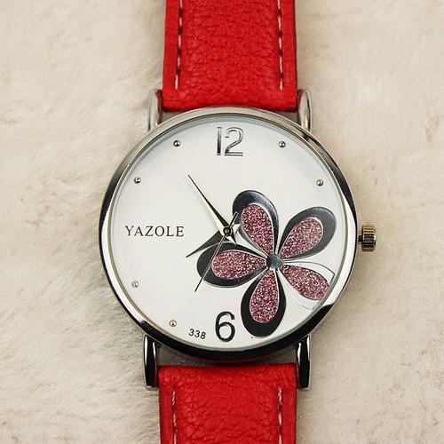 女款 四葉草PU 革皮帶石英手錶