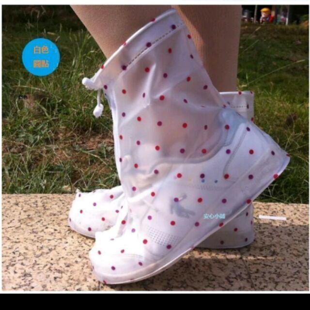 安心小鋪~8381 ~ 小圓點加厚防水雨鞋套防滑女雨靴套平跟款防雨鞋套防滑鞋套雨天不在怕出