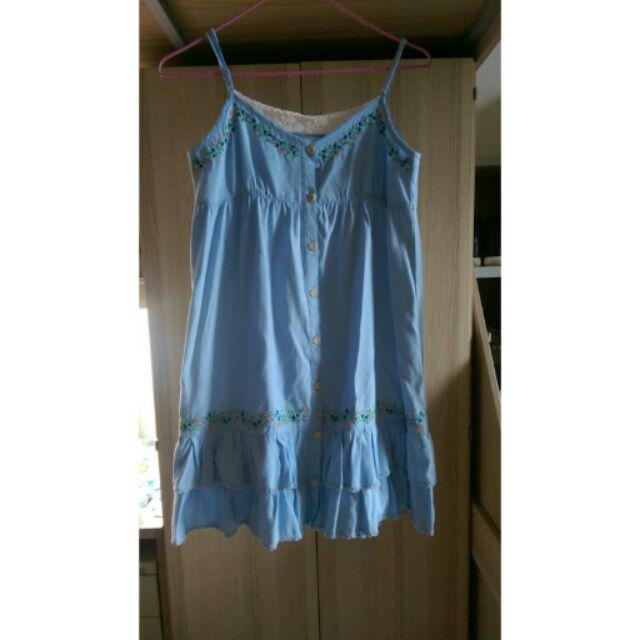 顯瘦甜美水藍小花刺繡細肩帶背心裙