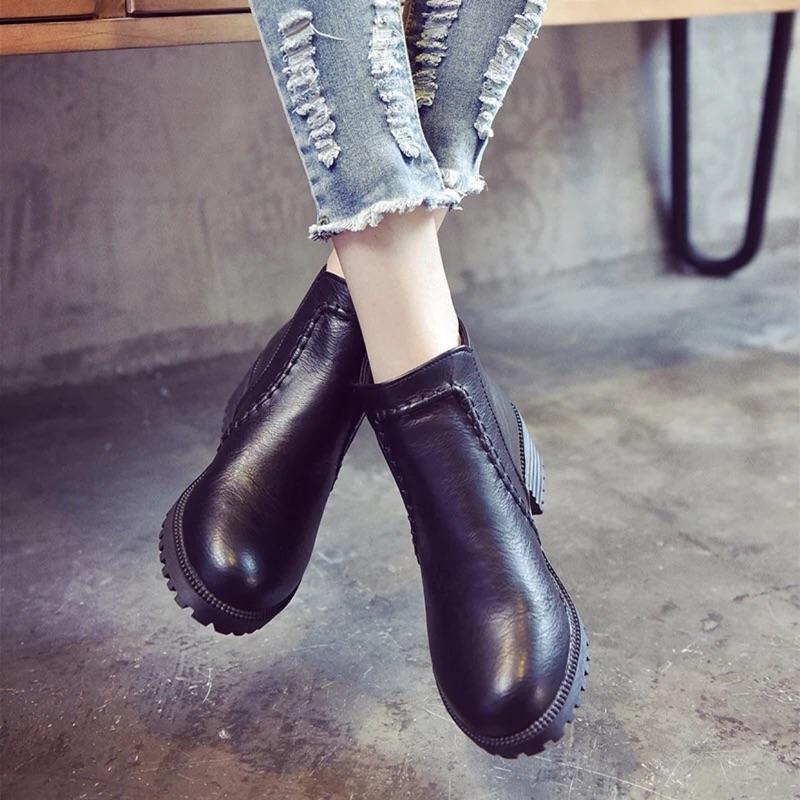 ~貝莉潮流~秋 學生黑色圓頭高跟馬丁靴英倫風裸靴女鞋厚底粗跟短筒短靴潮