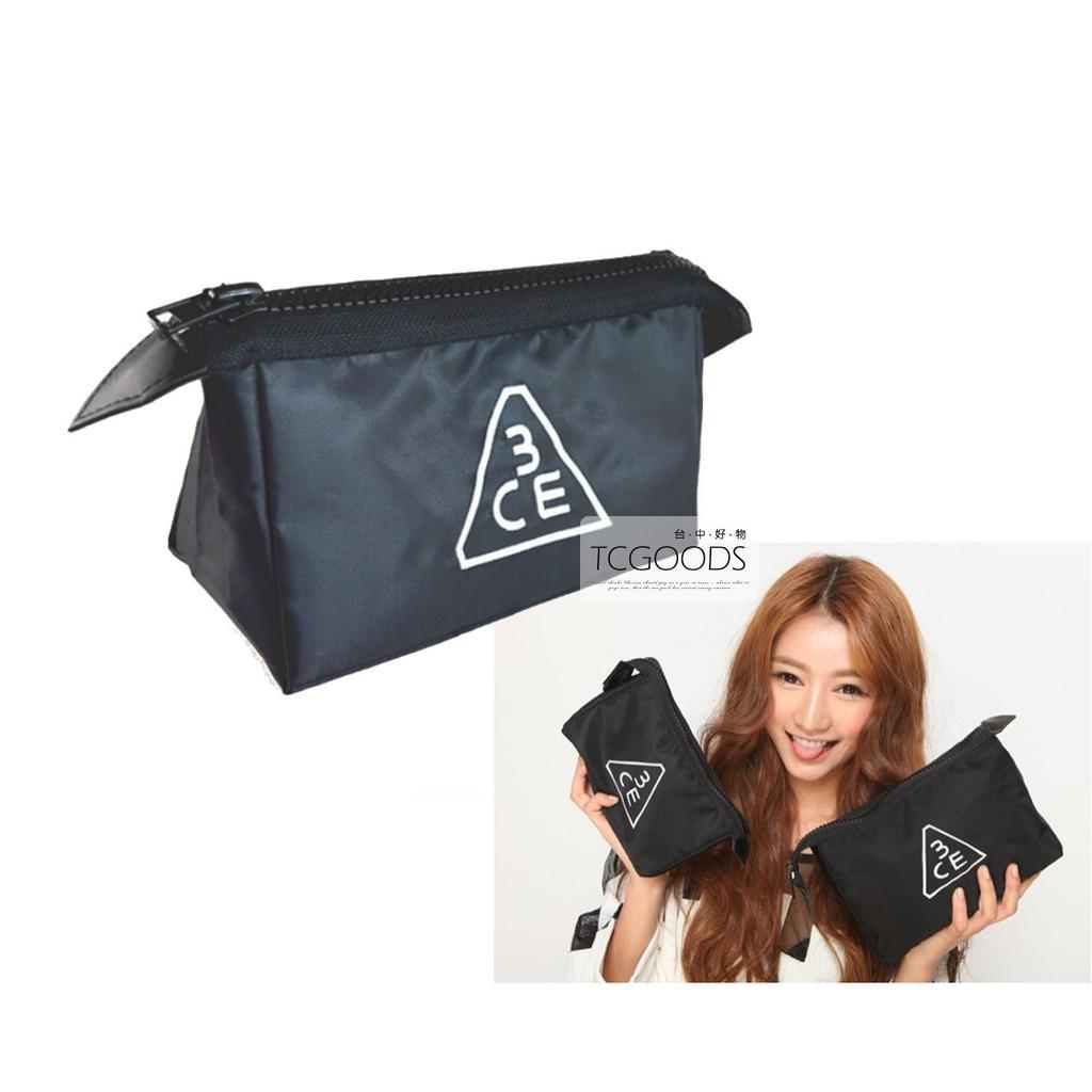 ~台中好物~韓國3CE 黑底 白色刺繡拉鍊大小 大容量化妝包收納包盥洗包手機包