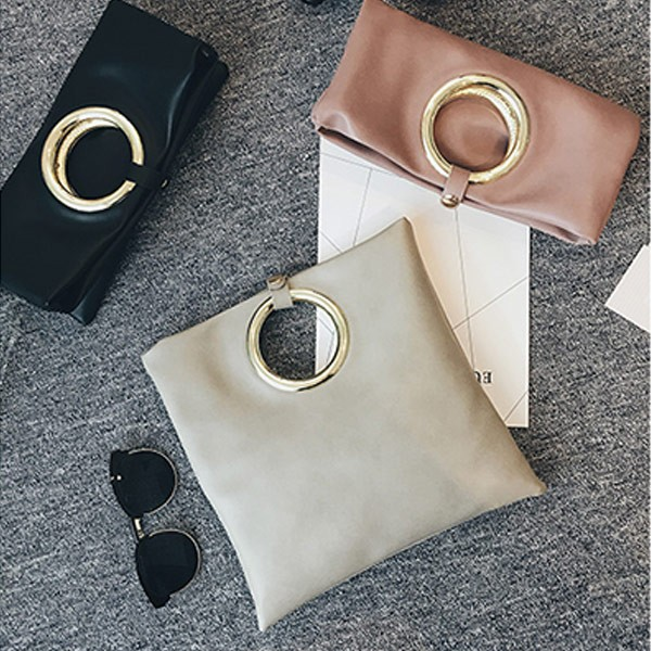 ~UOU ~韓國 款簡約素面圓環手提包信封包 單肩斜背手拿側背包‧3 色~T029 ~
