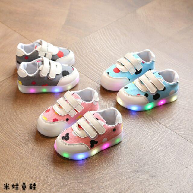 鞋內長13 5 18 公分兒童鞋男女童七彩發光鞋LED 亮燈童鞋防滑 板鞋1238 8