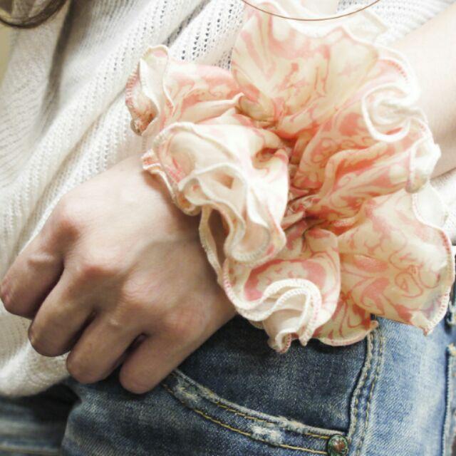 Paru ~淺粉雙層紗氣質花紋腸圈髮束髮圈雪紡澎湃甜美浪漫印花婚禮顯白情人節包裝送禮