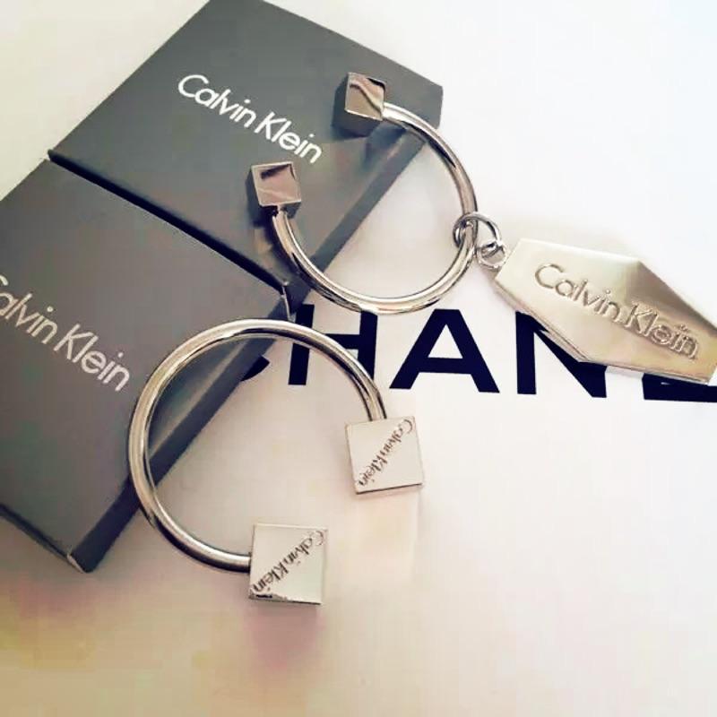 品 CK 情侶鑰匙圈附 盒裝男女款情侶款情人節送禮自用皆可秒發 不用等12H 出貨秒發