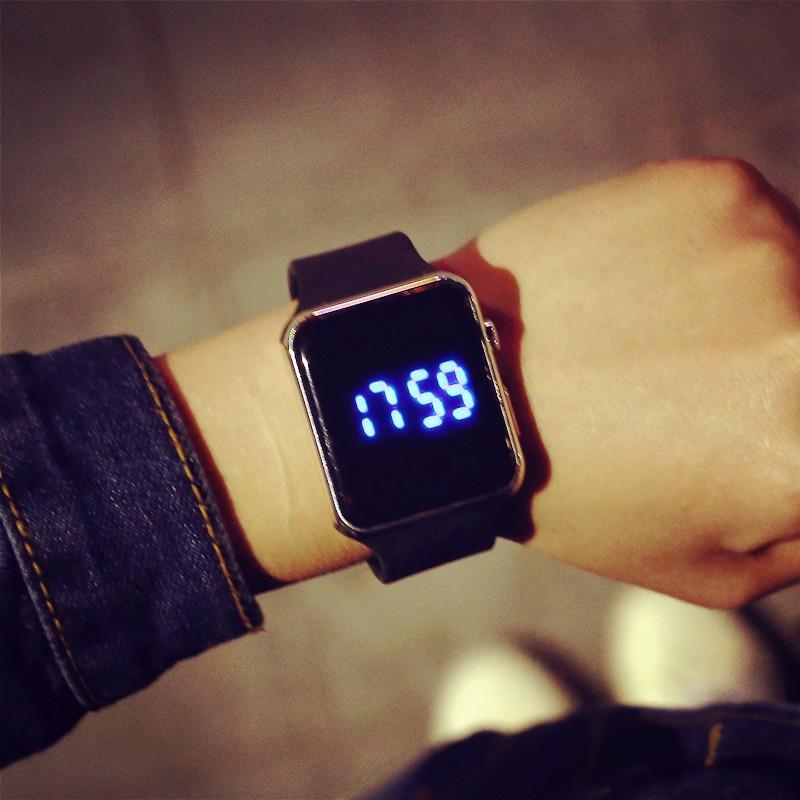 明星同款 韓國潮流明星周邊手錶張傑EXO 鹿晗同款男女學生炫酷LED 果凍電子錶