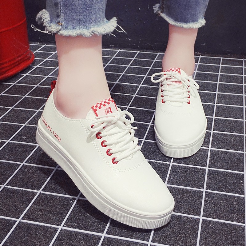 拇指家庭拇指家庭 平底系帶小白鞋學生 鞋女板鞋圓頭女鞋子