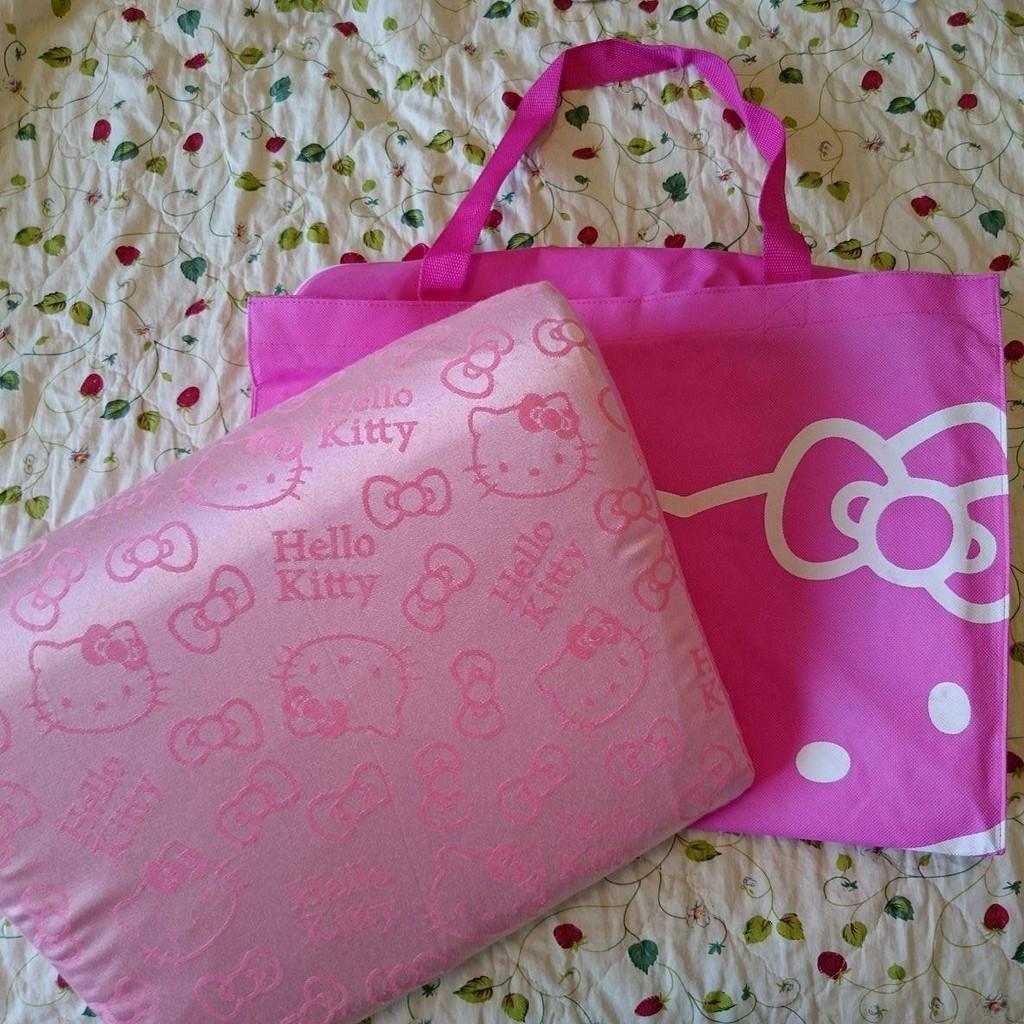 GreySa 格蕾莎Hello Kitty 輕鬆枕第