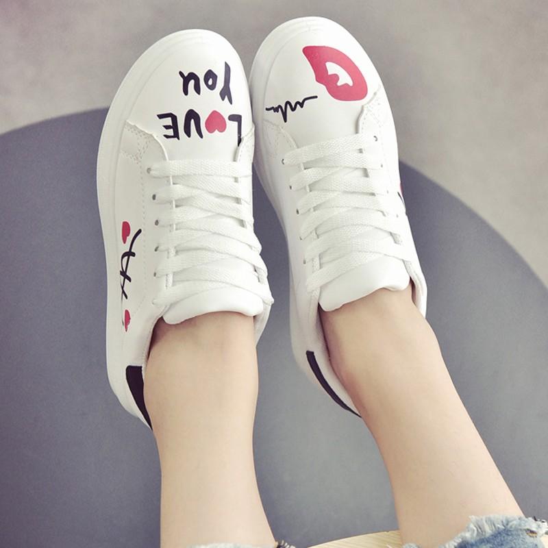 單鞋平底低跟 鞋百搭紅唇 鞋涂鴉學生女鞋小白鞋休閒鞋娃娃鞋豆豆鞋懶人鞋尖頭平底鞋慢跑鞋厚底