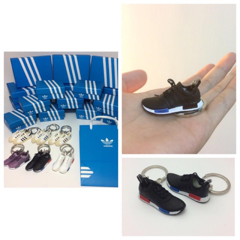 蝦蝦小舖愛迪達款球鞋吊飾新增東京藍