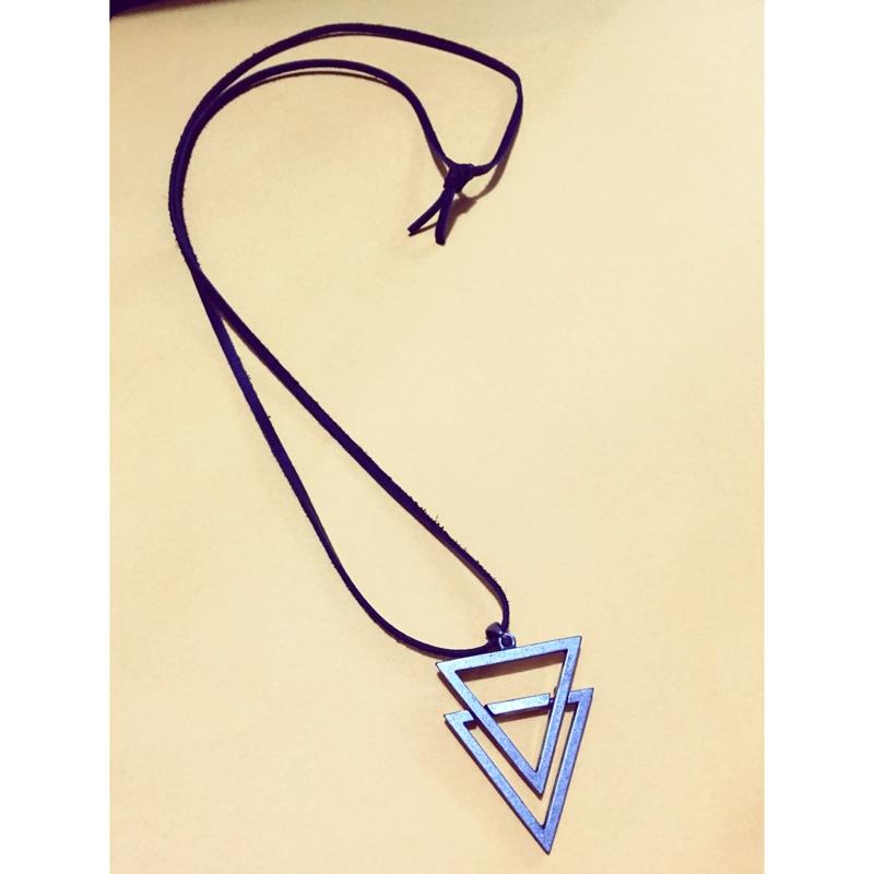 幾何三角重疊 仿舊銀飾皮繩長鍊GD 韓正品特惠200