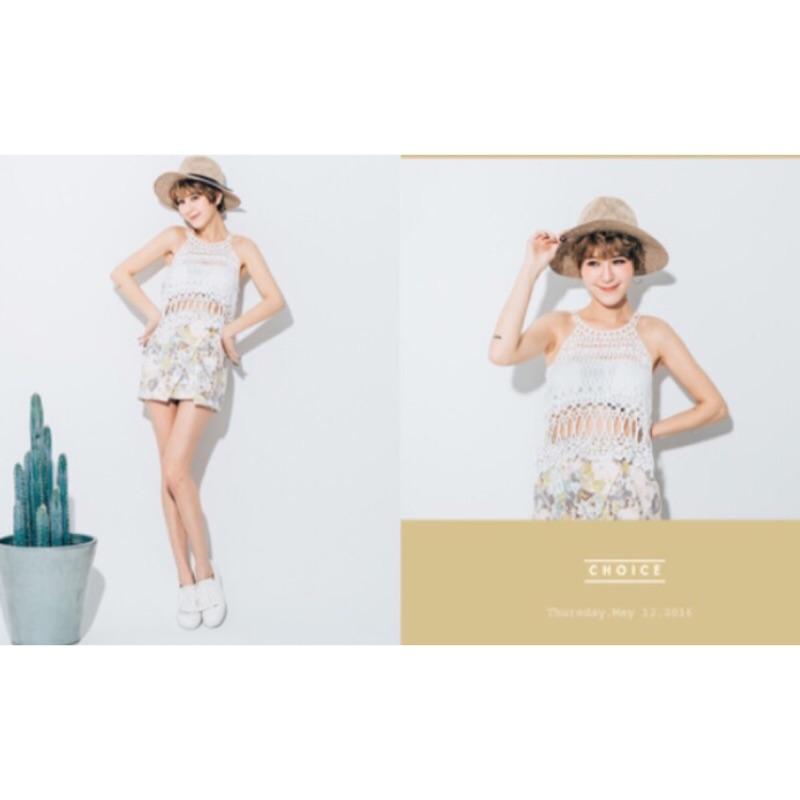 PUFII 蕾絲簍空削肩短版上衣白色