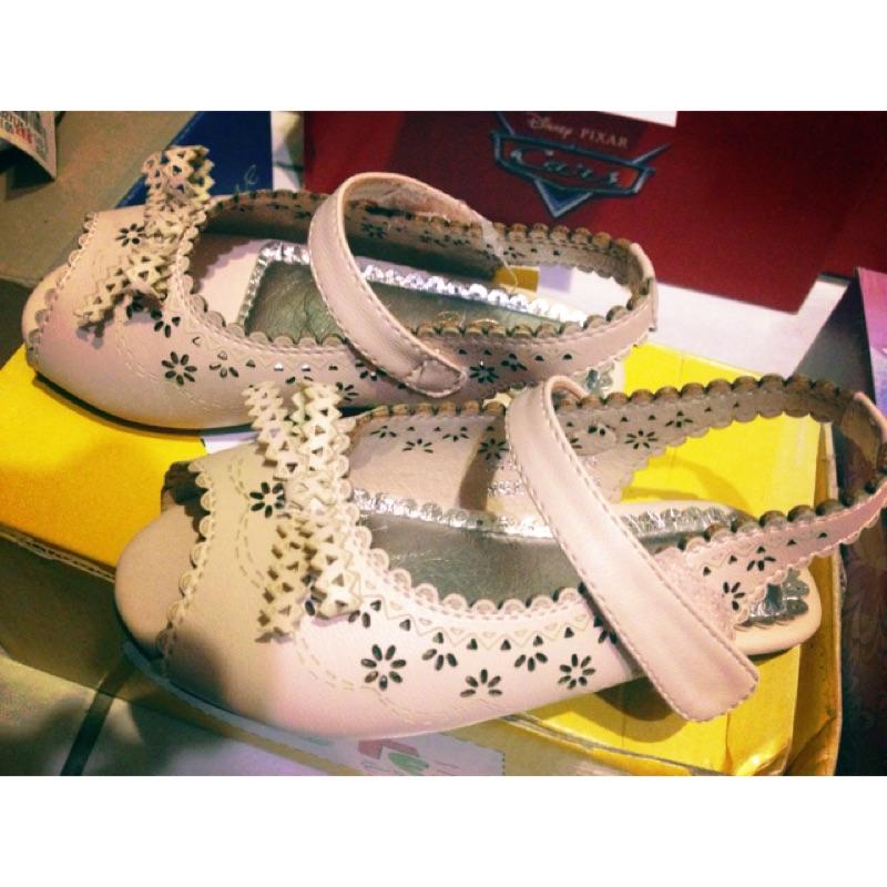 鏤空蝴蝶結碎花粉紅色女童鞋娃娃鞋賣場 閃電麥坤等 童鞋靴