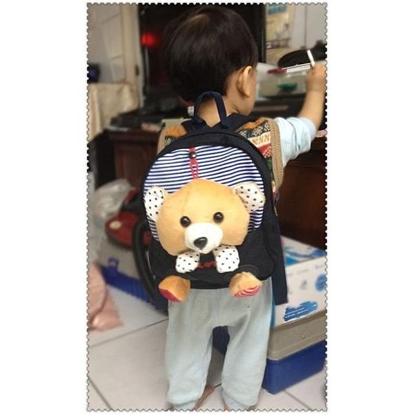 花爸 賣場 小朋友 玩的兒童背包小朋友背包Q 版 黑熊熊背包驚喜價239 元