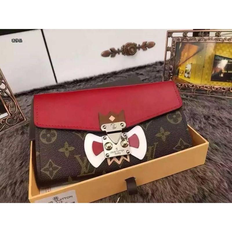 小牛皮lv 紅色小怪獸銀鏈條斜挎包路易威登老花女包手包 :19 10cm