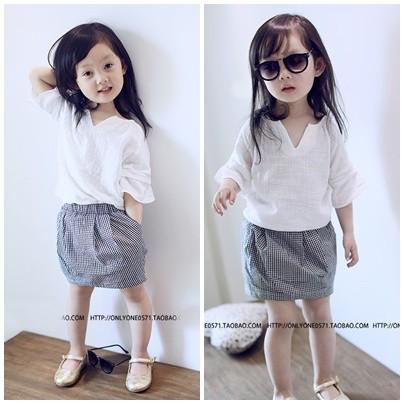 氣質小V 領清新短袖T 恤格子短裙兩件式套裙