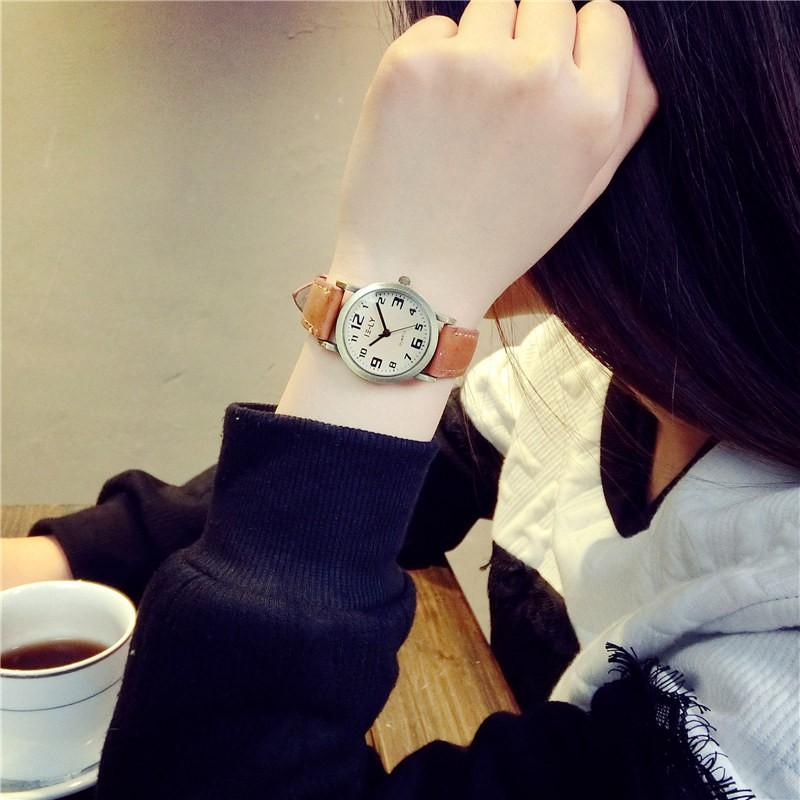 潮遍這๑都市๑ ulzzang 簡約羅馬數字小表盤復古文藝女學生皮帶石英手表