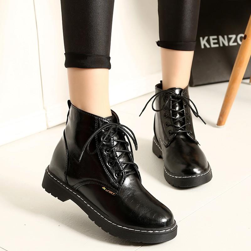 防滑橡膠底馬丁靴女英倫圓頭系帶平底短靴騎士靴機車靴潮