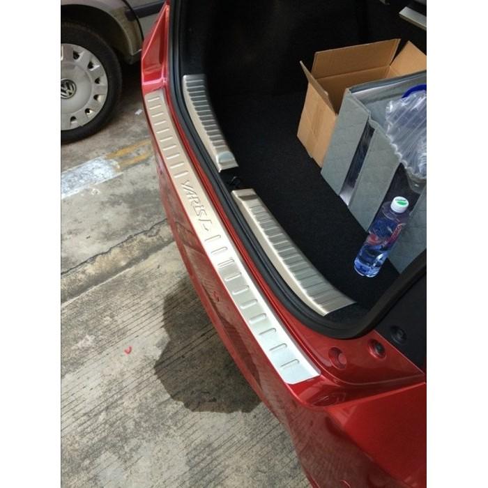 ~小盧~Toyota New YARIS 大鴨後護板後保桿上飾板不鏽鋼踏板尾門踏板防刮防撞