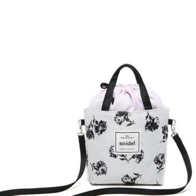 日系小清新snidel 便當袋手提袋束口袋~黑色花朵手提斜跨托特包