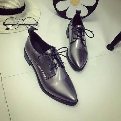 後街五號 鞋館歐洲站粗跟單鞋中跟銀色英倫小皮鞋亮皮黑色繫帶 女鞋春秋