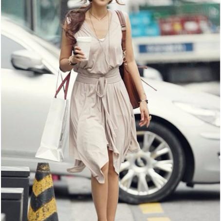 V 領無袖不規則裙襬連衣裙附腰帶、綁繩