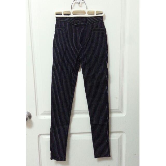 黑色直條紋西裝褲