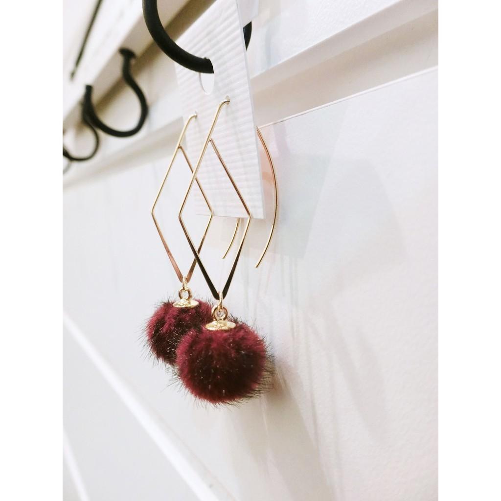 立體線條菱形垂墜毛球耳環優雅 氣質典雅韓妞 款特別